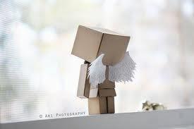 tu m'avais confié des ailes j'ai eu si peur de les utiliser et j'ai bien eu raison de m'en douter car quand je me suis élancée le dos tourné tu me les as dérobées