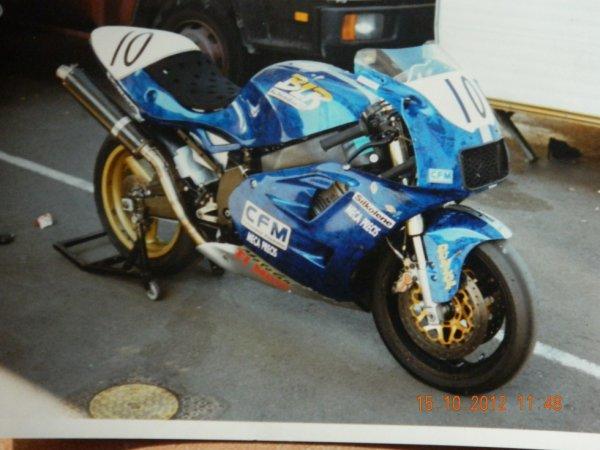la plus belle de mes motos la BLR 850 engagé en protwin