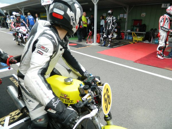 250 SYM B1 engagée au championnat france 25 power / pilote louann baslé , christophe baslé , antoine cobigo