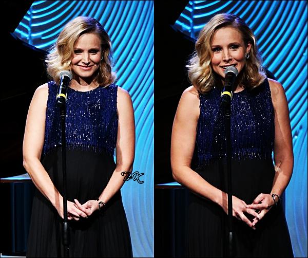 14/08/2014:Kristen était à la soirée The Hollywood Foreign qui se déroulait àBeverly Hills Kristen est habillée d'une sublime robe bleue et noire. Cette robe lui va vraiment bien, le bleu est une belle couleur sur elle.