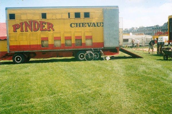 PINDER DIEPPE 2002  CONVOI  CHEVAUX