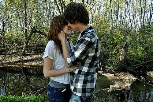 On perd l'aspect de sa solitude lorsqu'on rencontre l'amour. C'est l'amour qui sauve tout dans le monde