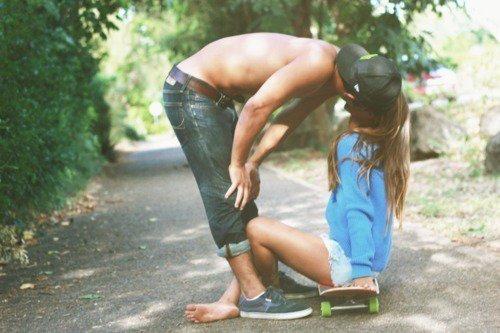 Si l'amour rend aveugle, l'amitié crève les yeux