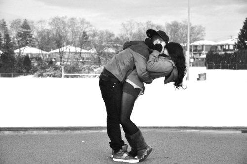 Rien n'est petit dans l'amour. Ceux qui attendent les grandes occasions pour prouver leur tendresse ne savent pas aimer.