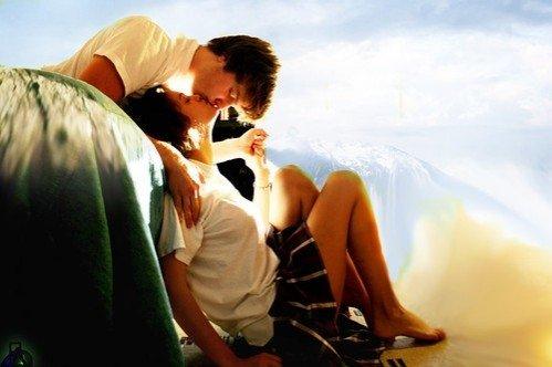 Quand une fille est amoureuse elle oublie qu'il y'a plus de 3 milliards d'autres garçons