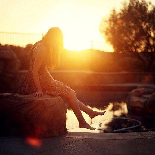 On ne marche pas vers l'amour : on tombe la tête la première dedans.