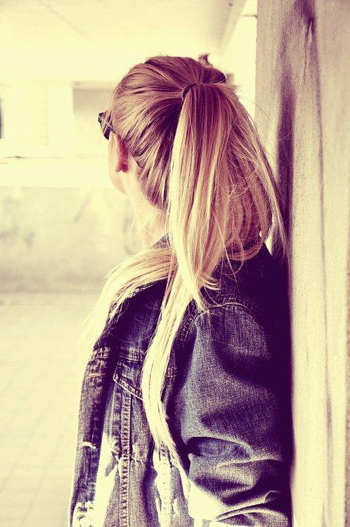 Le seul charme du passé, c'est qu'il est le passé.