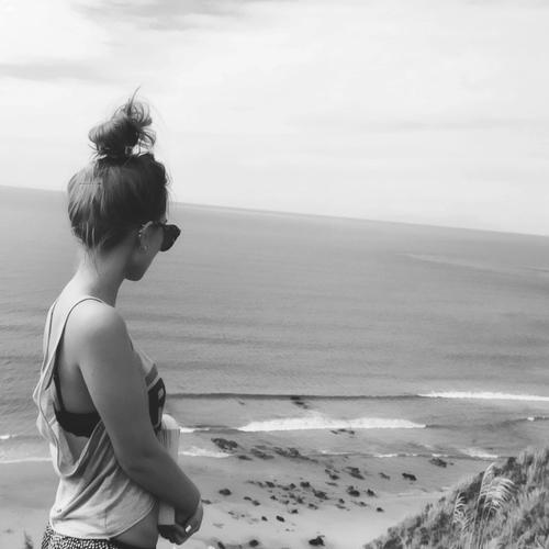Où que tu sois, tu es toujours dans mon esprit. Où que tu sois, saches que notre amour ne mourra jamais