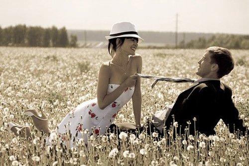 Les personnes qui nous rendent heureuse sont jamais celle qu'on pense. Quand on trouve une personne comme ça, on se doit de la chérir.