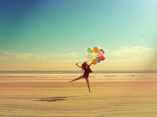Le bonheur est comme un papillon : il vole sans jamais regarder en arrière.