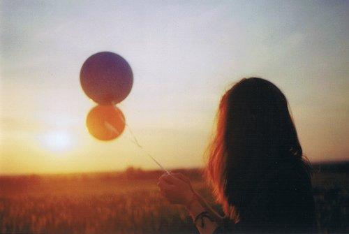 Je voudrais pouvoir t'oublier, mais seule la mort offre l'oubli, la vie n'a pas cette indulgence.