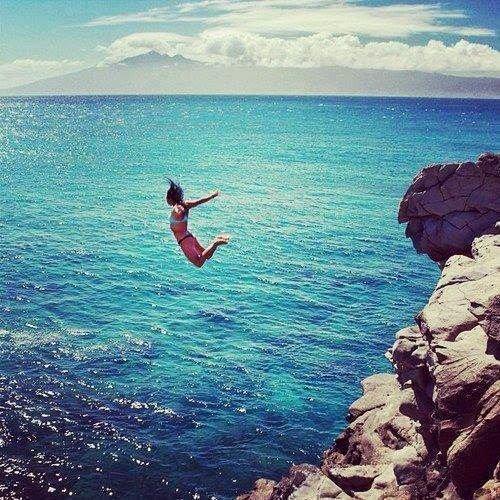 On ne sait pas de quoi demain sera fait alors parfois quand on a envie de quelque chose, il faut prendre des risques.