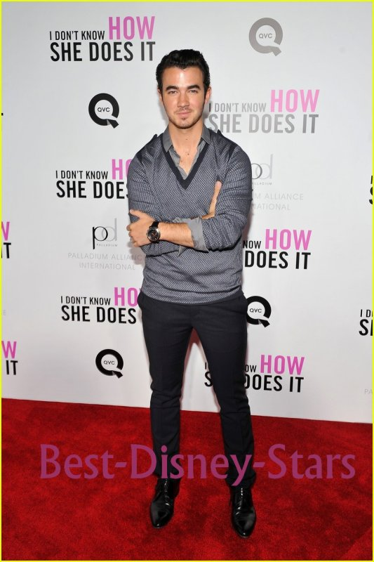 12/09  : Kevin & Danielle Jonas :  'I Don't Know How She Does It' Première sponsorisé par QVC & Bijoux Palladium à AMC ,â Lincoln Place Théâtre