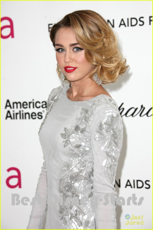 26/02 : Miley Cyrus & Liam Hemsworth : Elton John AIDS Oscar Party Pair