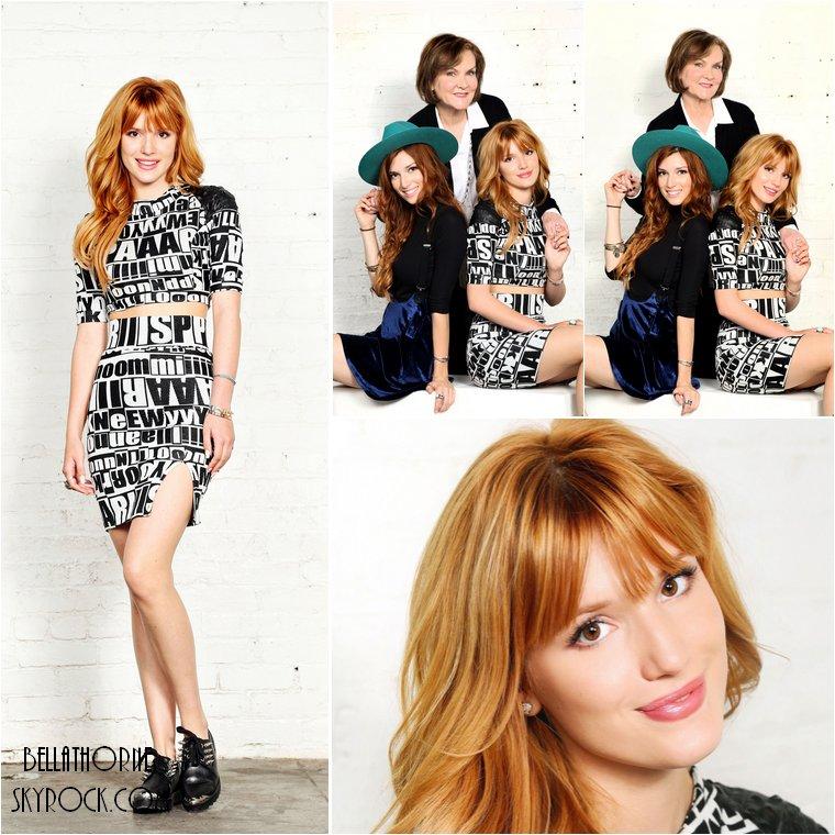 Découvrez un photoshoot promo de Bella, sa soeur Dani et la créatrice Sherri Hill, pour leur ligne de robes de soirée en collaboration.