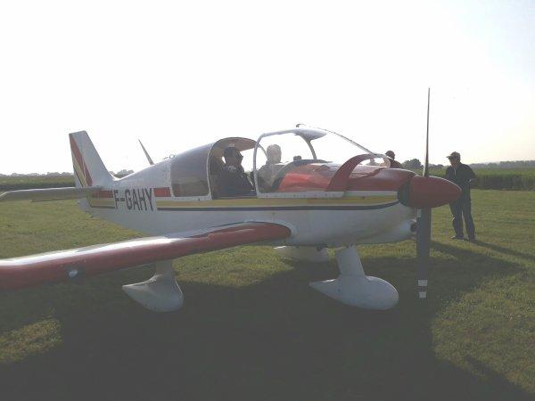 Dimanche nous avons eu le plaisir d'avoir la visite d'un pilote grandeur de dreux