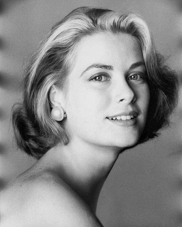 Hier il marque 35 ans que l'actrice américaine et la princesse de Monaco Grace kelly sont mortes le 14 septembre 1982. #Gracekelly