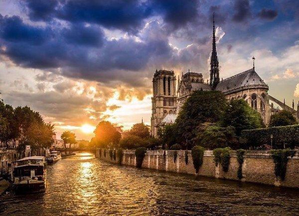 Notre-Dame de Paris #coucherde#soleil