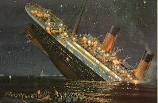 #titanic il y'a 106 c'etait la dernière journée du titanic et à 23H40 aujourd'hui le 14 avril 1912 le titanic arrivé sur un iceberg et couler le bateau en 2h30 705 PERSONNES monte à bord des canots de sauvetage et 1500 morts de froid