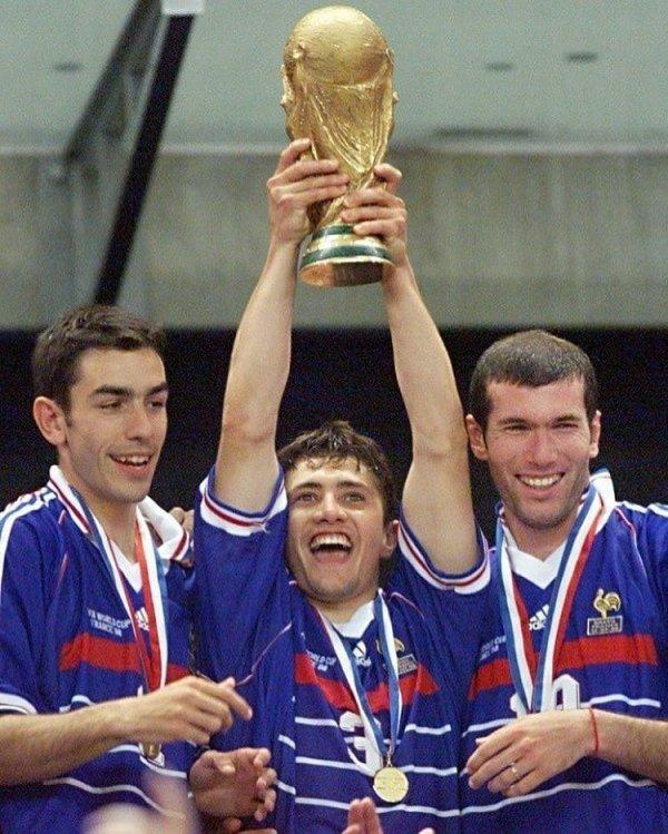 C'était un 12 juillet 1998. C'était il y a 20 ans. CHAMPION DU MONDE. France 1998. Une étoile pour l'éternité.  Nous avons montré le chemin.  Que la force soit avec toi France 2018.