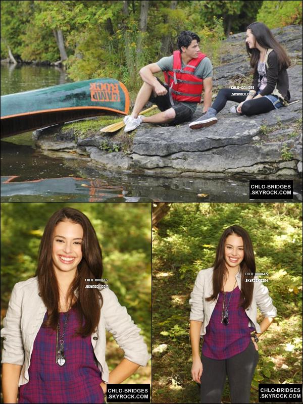 .  2 nouvelles photos promo + 1 still de Chloe (Dana) & Nick Jonas (Nate)  (voir)      Qu'en penses-tu ? Hâte de voir Camp Rock 2 ? .