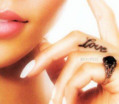 «`Je n'ai pas la beauté d'une star de cinéma mais l'amour que je te porte est plus vaste que le Sahara...#
