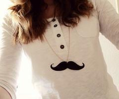 Vintage, vive les moustache!
