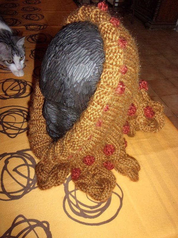 avec le reste de laine du pull et du bonnet de lutin, ma fille voulait un snood!