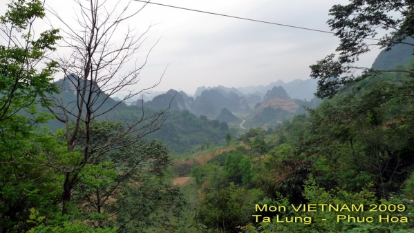 Route RC4 (route coloniale 4) vers Cao Bang