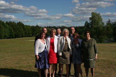 moi avec mes frères et soeurs et notre maman
