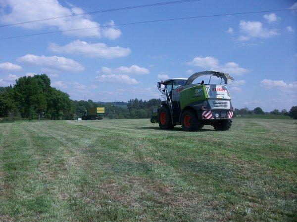 Ensiage d'herbe par Lacroix !