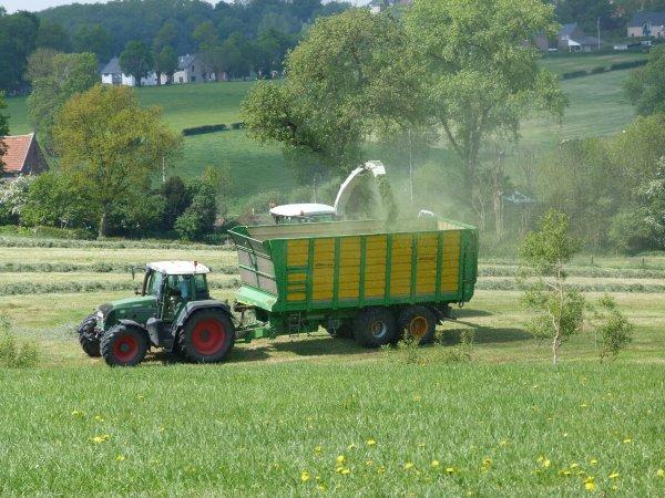 Ensilage d'herbe par Lacroix !