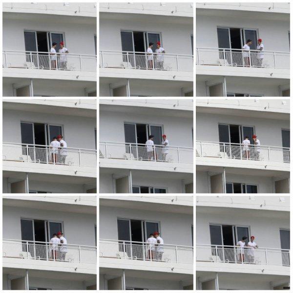 03.04 - Justin sur le balcon de son hôtel à Miami
