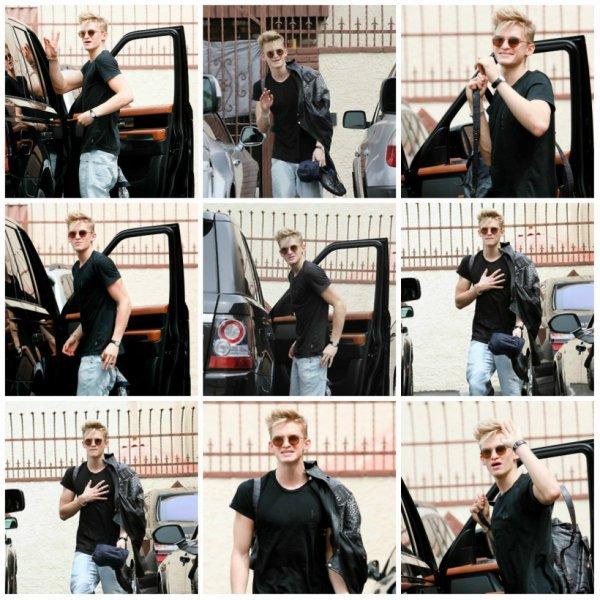 10 avril: Cody quitter le studio de danse après l'entraînement jeudi