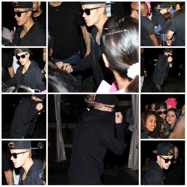 18.04 - Justin devant son hôtel à Los Angeles, Californie