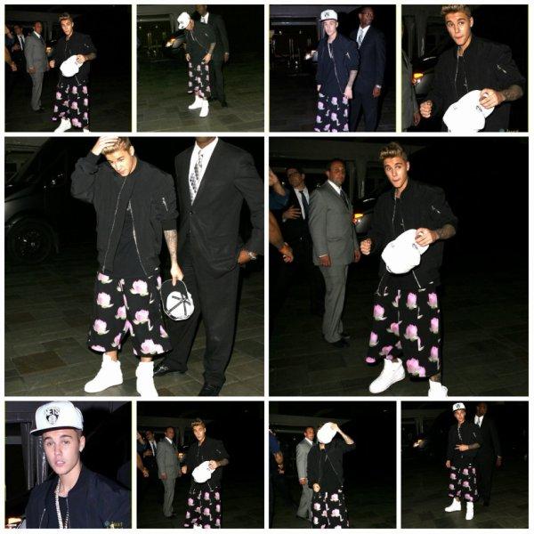 11.05 - Justin devant son hôtel à Beverly Hills