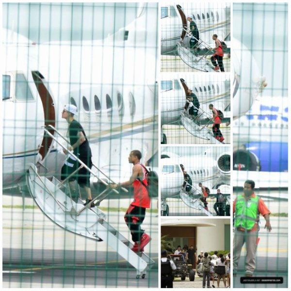 03.06 - Justin rejoint son jet privé, Mexico
