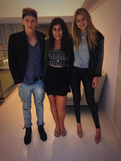 Cody, une fan et Gigi