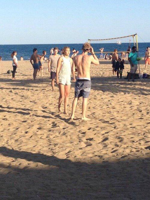 10 juillet: Cody et Gigi repéré sur une plage à Barcelone