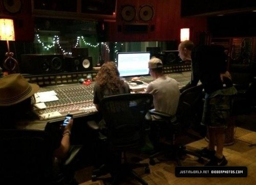 25.07 - Justin en studio, Californie