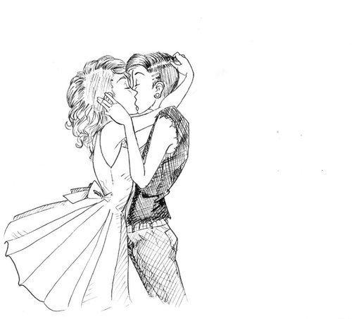 « J'ai cru que tu l'aimais passionnément. Que tu étais fou d'elle. Que tu pouvais crever pour elle. J'ai longtemps cru que ton monde s'appelait Charlotte, qu'il avait 15ans et qu'il blond aux yeux bleus. Perso, j'ai longtemps trouvé ton monde particulièrement moche. Peut-être parce qu'il était à l'opposé de moi. Je voyais vos petits regards, vos petites caresses, tous vos petits gestes tendres. Je voyais des sentiments. Le truc, c'est que je t'aime tellement que j'en suis aveugle. Tout ce que je pensais voir n'était que le fruit de mon imagination. Vous deux, c'était platonique. Mais toi et moi c'est idyllique.  C'est moi que tu aimes passionnément. Ce de moi dont tu es fou. C'est pour moi que tu pourrais crever. Ton monde s'appelle Camille, il a 16ans et est brun aux yeux marrons. Je le trouve pas si moche.  J'ai assez parlé de toi. Alors je vais, pour finir, te dire une dernière petite chose ; Je t'aime. Voilà. » - HelloxHoney.