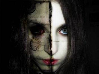 J'entend des voix, tellement de voix ... Je ne suis pas folle, elles sont là, elle me parle.