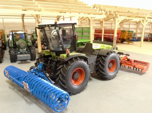 Claas Xerion 5000.