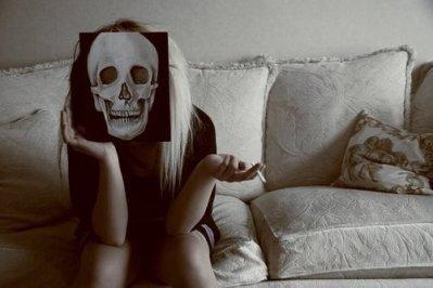 Moi je préfère mourir, que mourir de vivre sans toi. Je me noie dans tout nos souvenirs qui m'entraînent toujours plus bas.