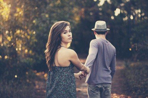 DE plus en plus que tu t`éloingue, de plus en plus que mon coeur pleure .