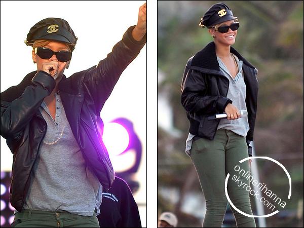 » 03 Fév   Rihanna répète pour le « Super Bowl » à Miami