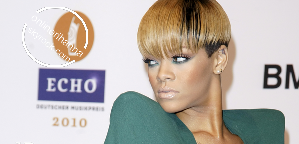 » 04 Mars | Rihanna aux ECHO Awards