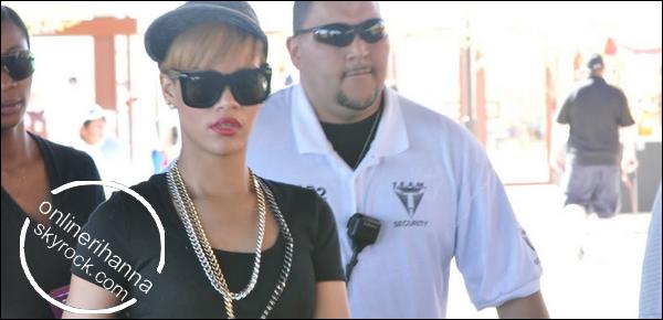 » 14 Mars | Rihanna à Camelback Ranch à Glendale