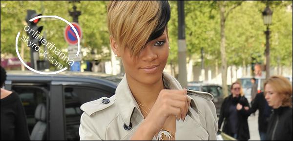 » 30 Avril   Rihanna sur les Champs Elysées