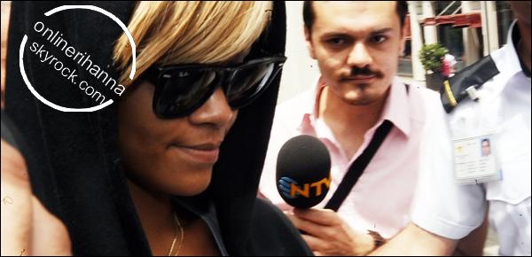 » 03 Juin | Rihanna arrive en Turquie